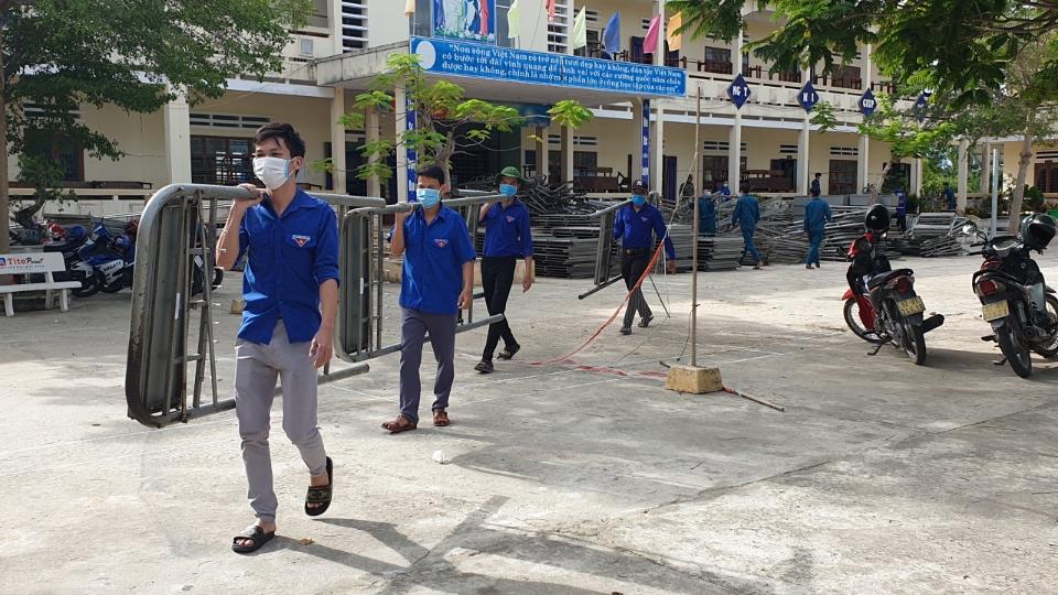 Tuổi trẻ Thăng Bình chuẩn bị khu cách ly tập trung đón người dân về từ Thành phố Hồ Chí Minh